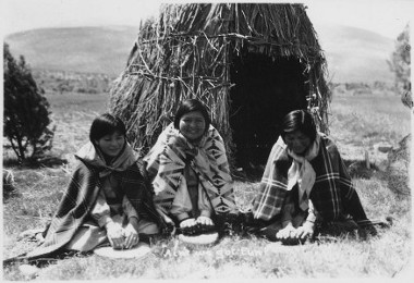 Great Basin People (Washo women)